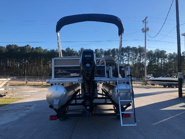 2021 Sun Tracker boat for sale, model of the boat is Party Barge 18 DLX & Image # 2 of 23