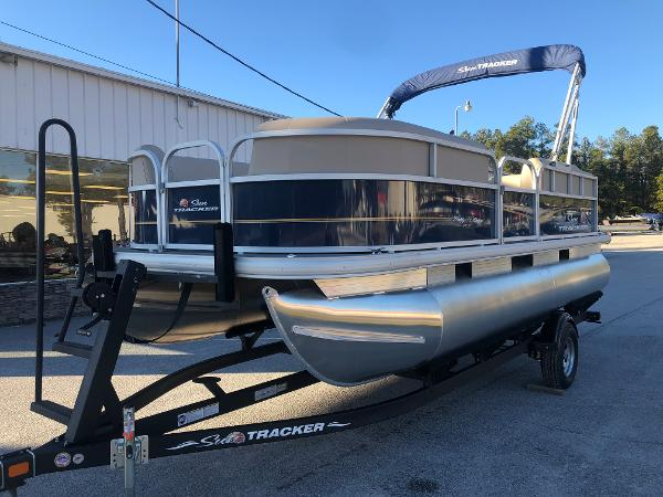 2021 Sun Tracker boat for sale, model of the boat is Party Barge 18 DLX & Image # 1 of 23