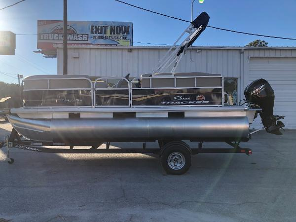 2021 Sun Tracker boat for sale, model of the boat is Party Barge 18 DLX & Image # 7 of 23