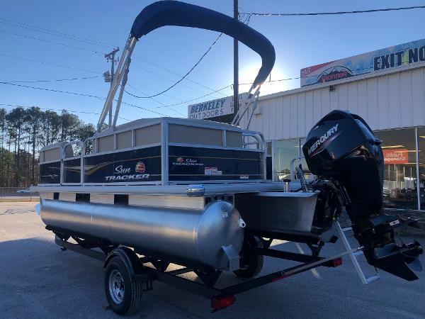 2021 Sun Tracker boat for sale, model of the boat is Party Barge 18 DLX & Image # 8 of 23