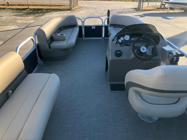 2021 Sun Tracker boat for sale, model of the boat is Party Barge 18 DLX & Image # 9 of 23