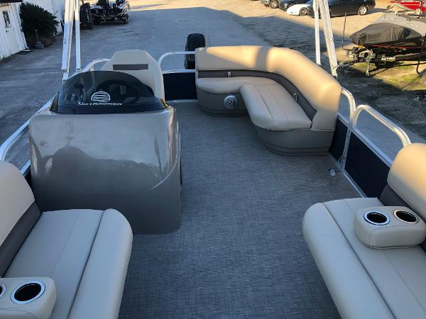 2021 Sun Tracker boat for sale, model of the boat is Party Barge 18 DLX & Image # 10 of 23