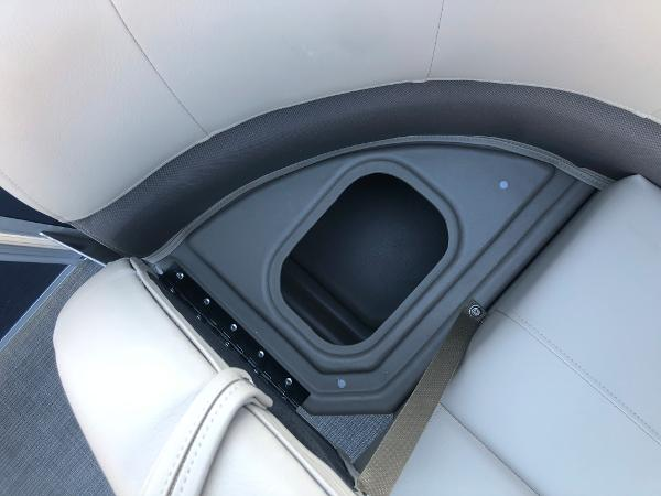 2021 Sun Tracker boat for sale, model of the boat is Party Barge 18 DLX & Image # 12 of 23