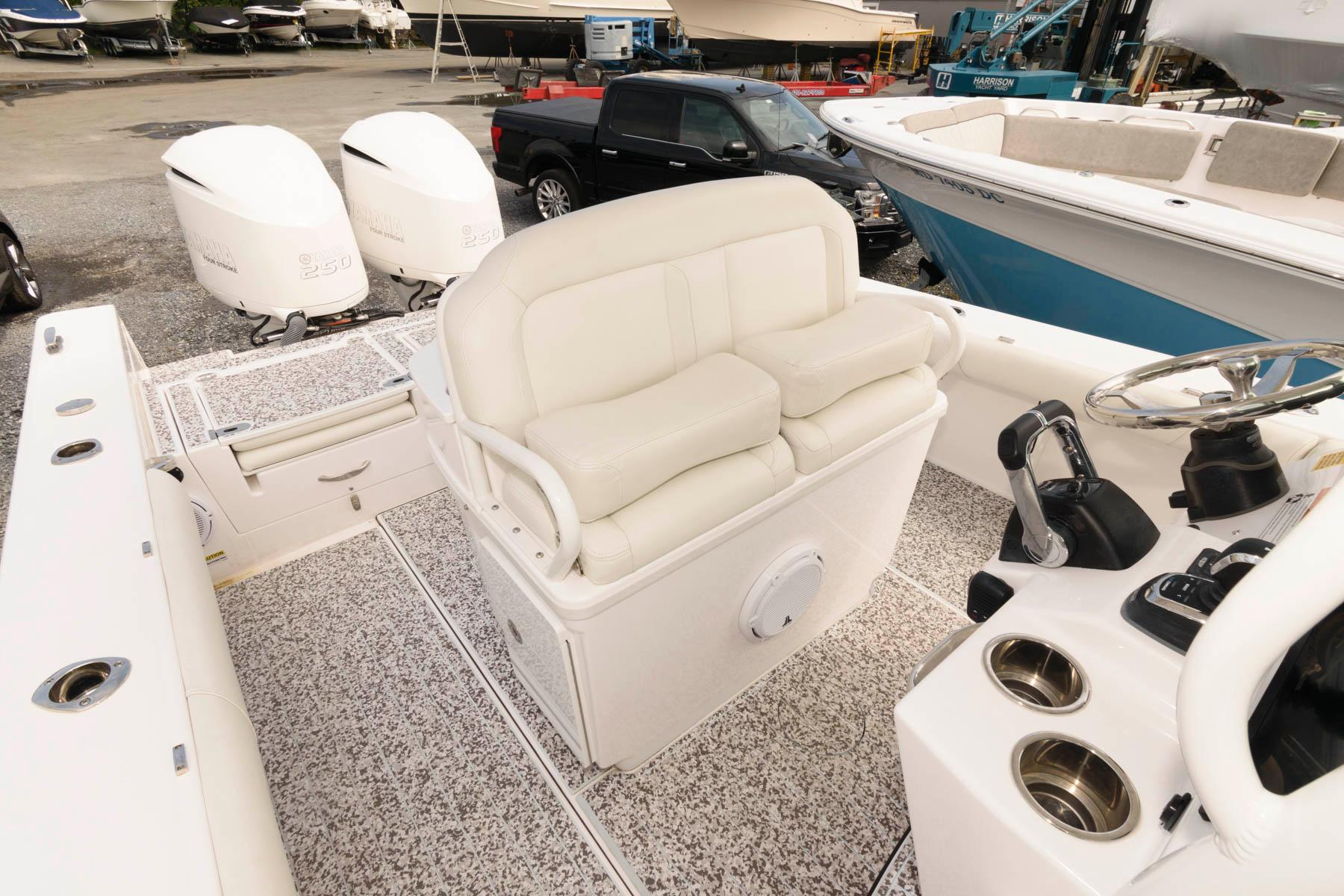 M 6536 RD Knot 10 Yacht Sales