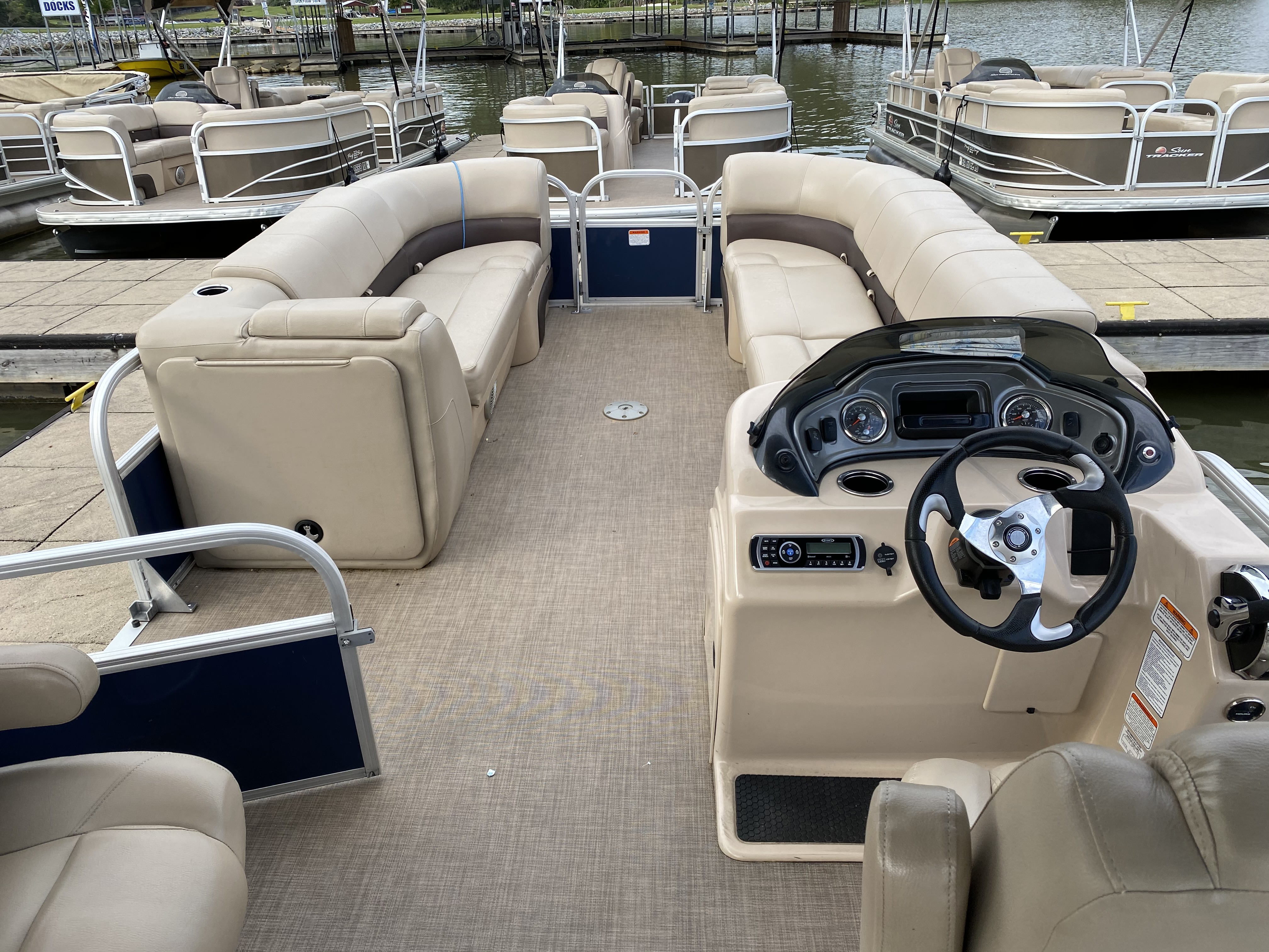 2019 Sun Tracker boat for sale, model of the boat is PARTY BARGE 24 XP3 w/ Mercury 150Hp 4S & Image # 24 of 24