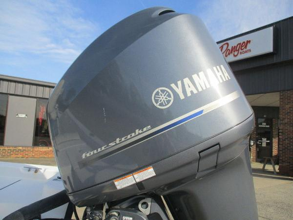 2004 Ranger Boats boat for sale, model of the boat is 2300 Bay & Image # 5 of 10