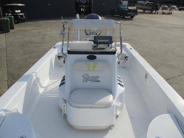 2004 Ranger Boats boat for sale, model of the boat is 2300 Bay & Image # 7 of 10