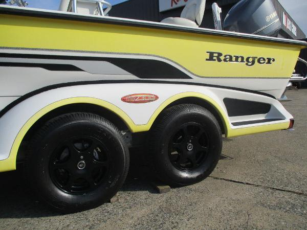 2004 Ranger Boats boat for sale, model of the boat is 2300 Bay & Image # 3 of 10