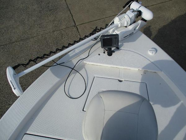 2004 Ranger Boats boat for sale, model of the boat is 2300 Bay & Image # 8 of 10
