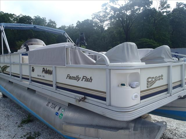 2002 Crest boat for sale, model of the boat is Fisherman 22' & Image # 7 of 10