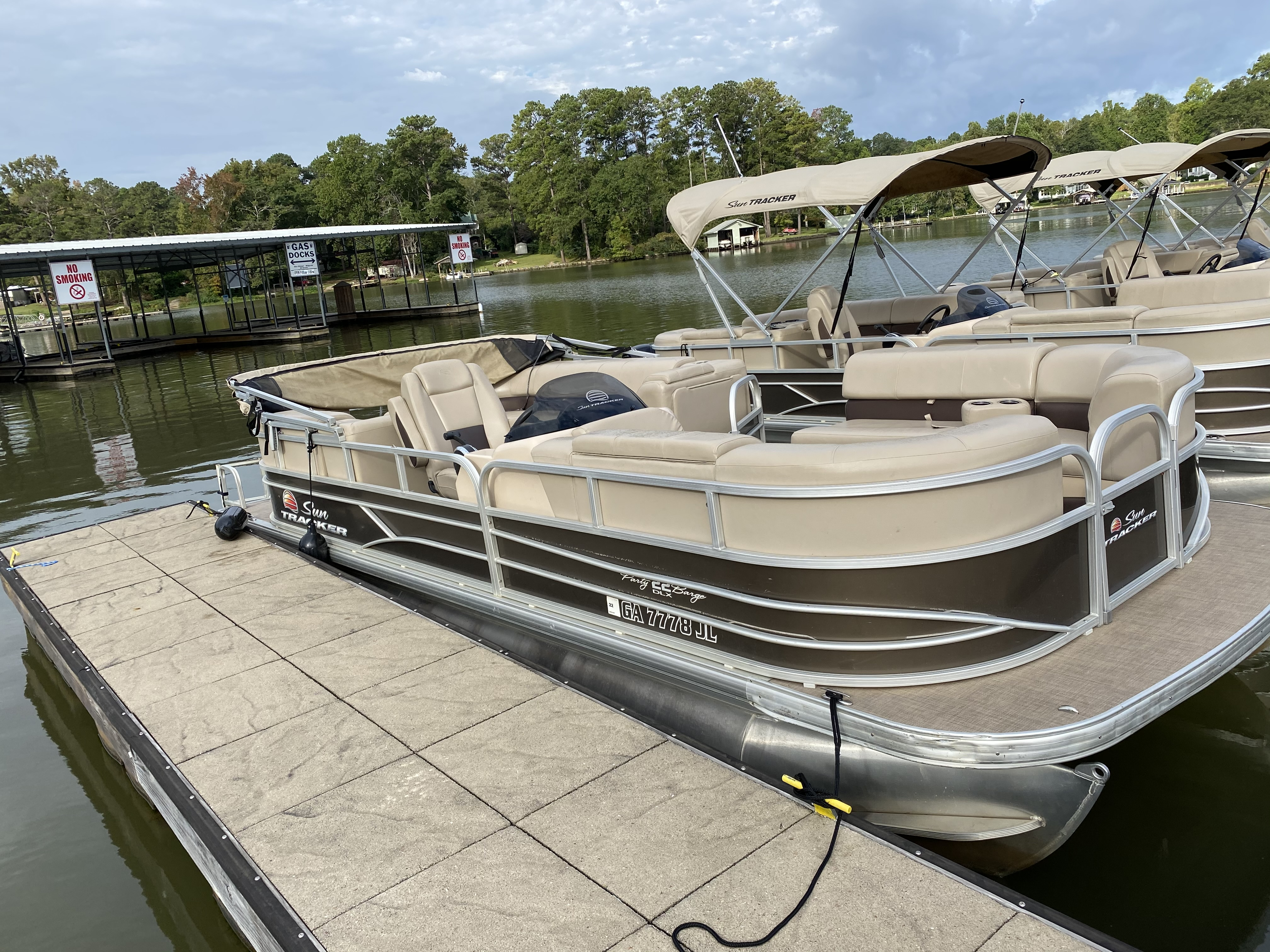2019 Sun Tracker boat for sale, model of the boat is PARTY BARGE 22 w/ Mercury 115Hp 4S & Image # 10 of 22