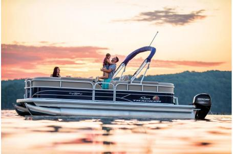 2019 Sun Tracker boat for sale, model of the boat is PARTY BARGE 22 w/ Mercury 115Hp 4S & Image # 15 of 22