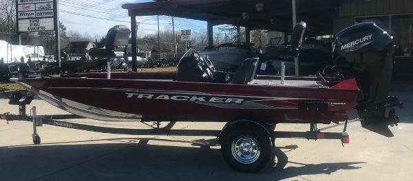 2021 Tracker Boats boat for sale, model of the boat is Pro Team 175 TXW® & Image # 1 of 12