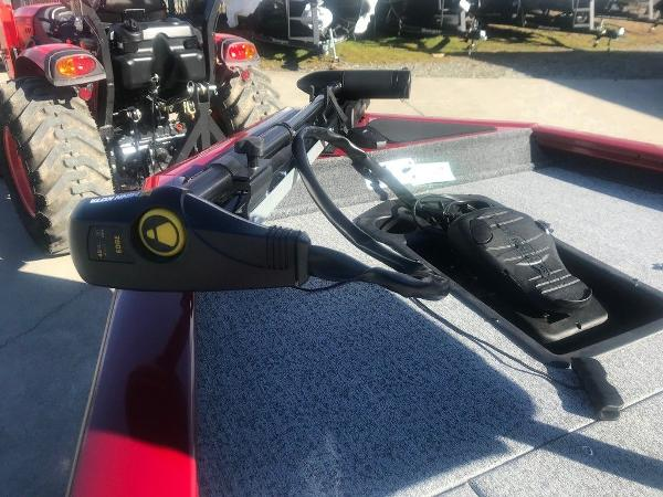 2021 Tracker Boats boat for sale, model of the boat is Pro Team 175 TXW® & Image # 4 of 12