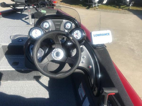 2021 Tracker Boats boat for sale, model of the boat is Pro Team 175 TXW® & Image # 6 of 12