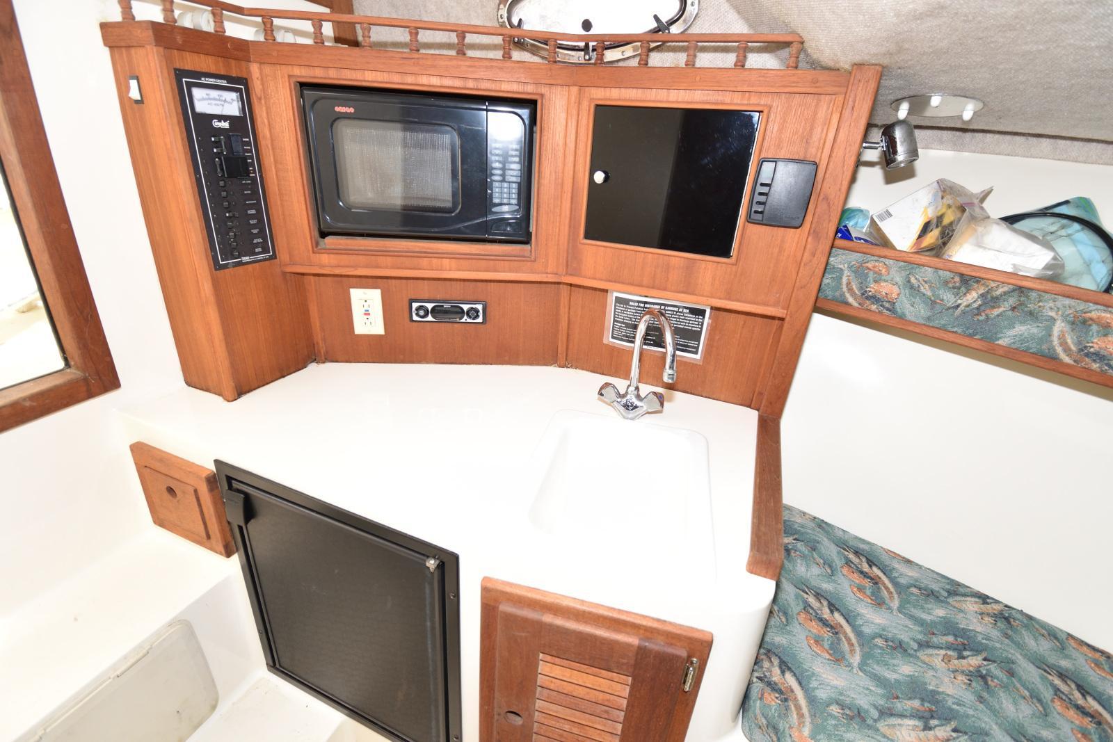 M 6360 TW Knot 10 Yacht Sales