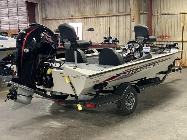 2021 Tracker Boats boat for sale, model of the boat is PT190XTE & Image # 1 of 9