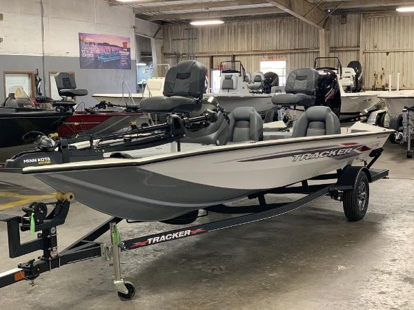 2021 Tracker Boats boat for sale, model of the boat is PT190XTE & Image # 2 of 9