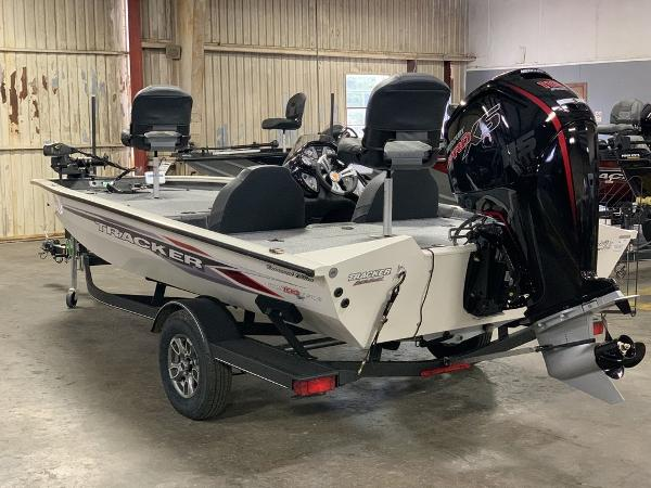 2021 Tracker Boats boat for sale, model of the boat is PT190XTE & Image # 4 of 9