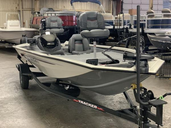 2021 Tracker Boats boat for sale, model of the boat is PT190XTE & Image # 7 of 9
