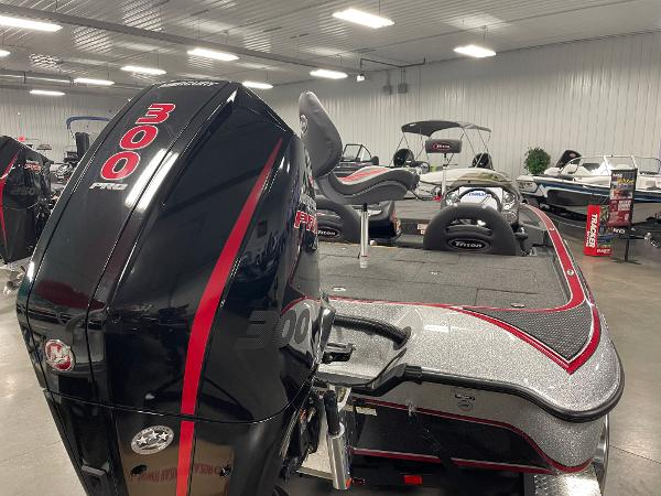 2020 Triton boat for sale, model of the boat is 21 TRXS & Image # 5 of 12