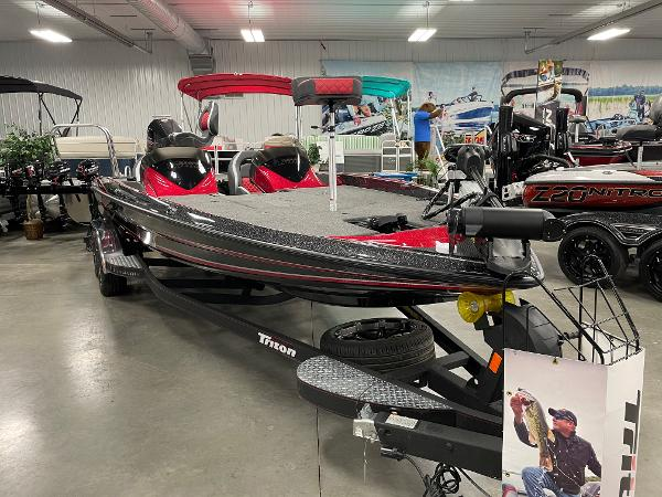 2020 Triton boat for sale, model of the boat is 21 TRXS & Image # 4 of 12