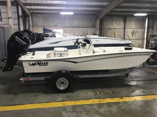 2021 Mako boat for sale, model of the boat is 15CC & Image # 3 of 6