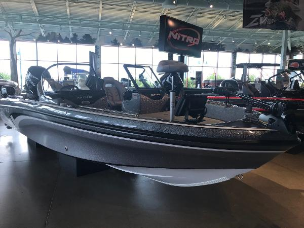 2019 Nitro boat for sale, model of the boat is ZV21 Pro & Image # 2 of 13