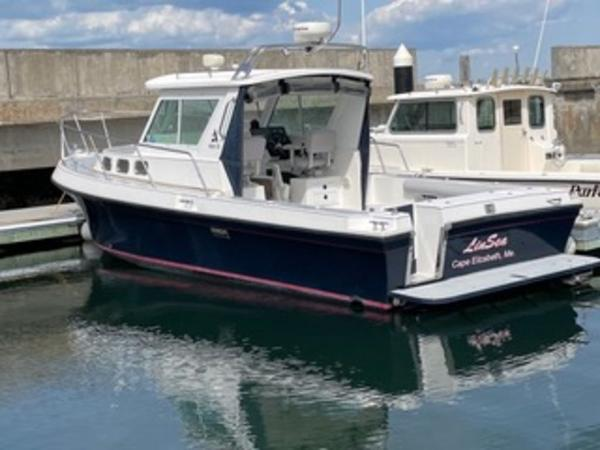 2004 Albin Yachts boat for sale, model of the boat is 28' Tournament & Image # 1 of 36