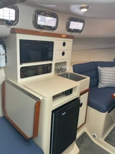 2004 Albin Yachts boat for sale, model of the boat is 28' Tournament & Image # 7 of 36