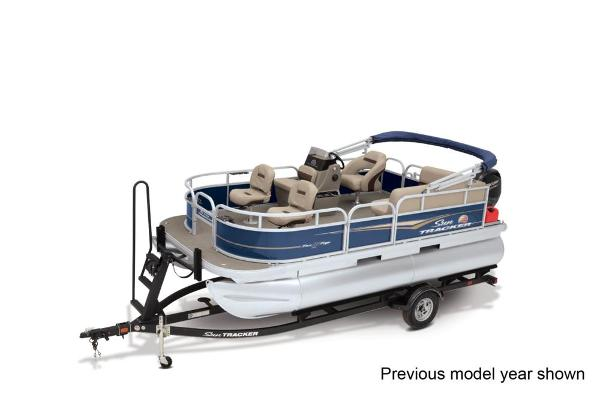 2022 Sun Tracker boat for sale, model of the boat is BASS BUGGY 16 XL SELECT & Image # 1 of 3
