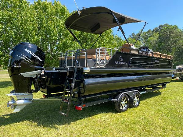 2021 Regency boat for sale, model of the boat is 250 LE3 Sport & Image # 4 of 84