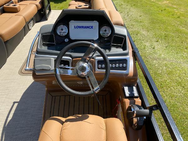 2021 Regency boat for sale, model of the boat is 250 LE3 Sport & Image # 9 of 84