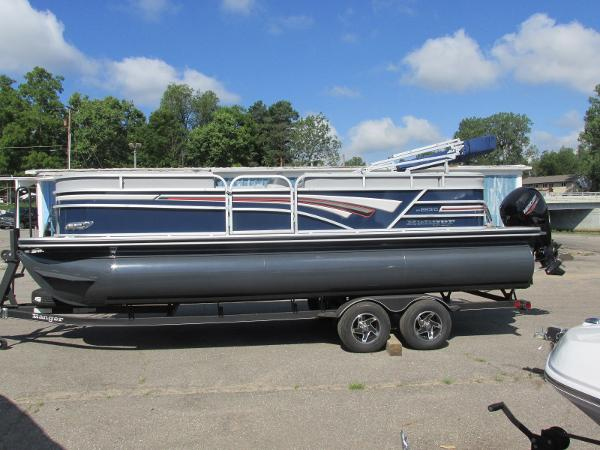 2021 Ranger Boats boat for sale, model of the boat is 223 CRUISE TRI TOON & Image # 1 of 22