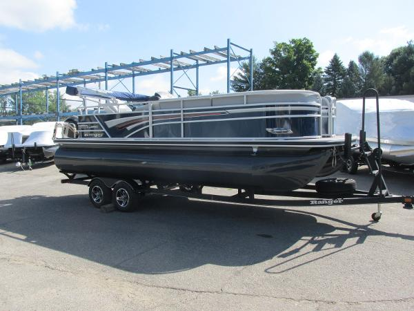 2021 Ranger Boats boat for sale, model of the boat is 223 CRUISE TRI TOON & Image # 2 of 22