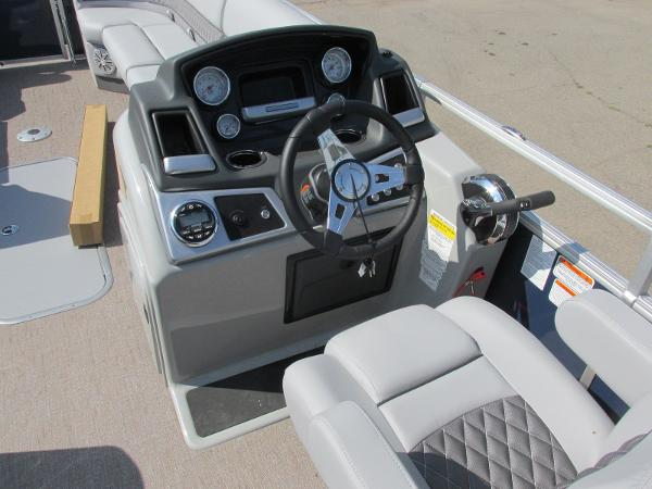 2021 Ranger Boats boat for sale, model of the boat is 223 CRUISE TRI TOON & Image # 7 of 22