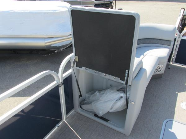 2021 Ranger Boats boat for sale, model of the boat is 223 CRUISE TRI TOON & Image # 15 of 22