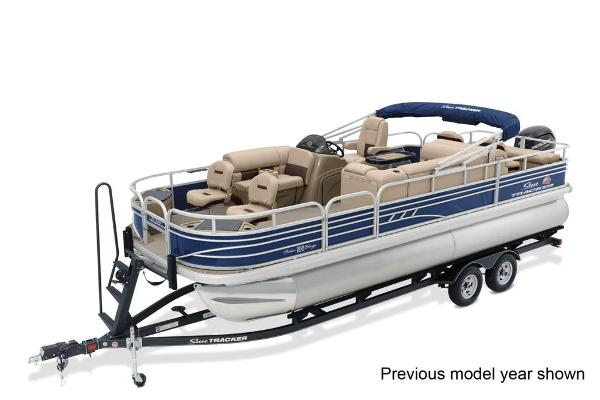 2022 Sun Tracker boat for sale, model of the boat is Fishin' Barge 22 DLX & Image # 1 of 3