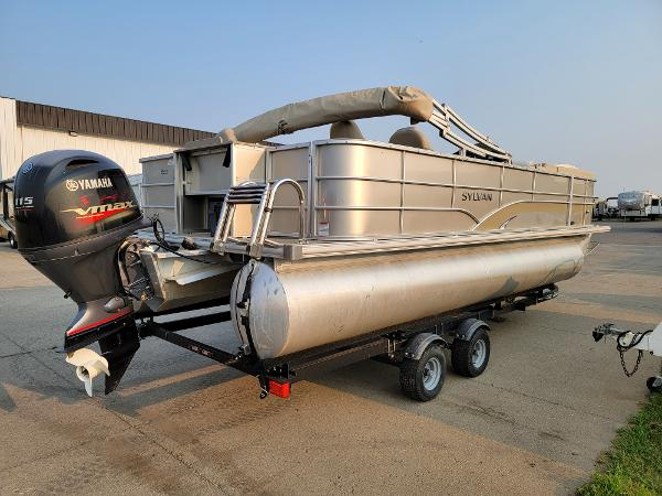 2015 Sylvan boat for sale, model of the boat is Mirrage 8522 & Image # 5 of 21