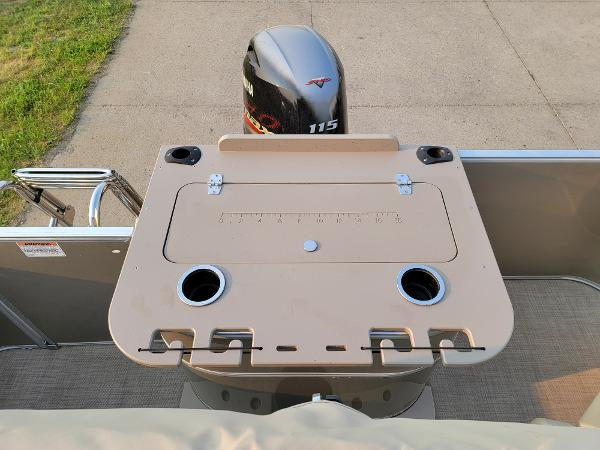 2015 Sylvan boat for sale, model of the boat is Mirrage 8522 & Image # 13 of 21