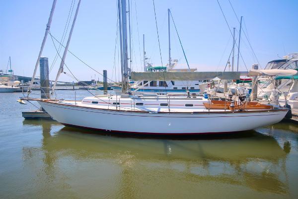 1984 Custom Cape Dory 36