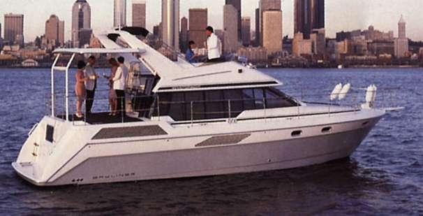 1991 BAYLINER 4387 Motoryacht thumbnail