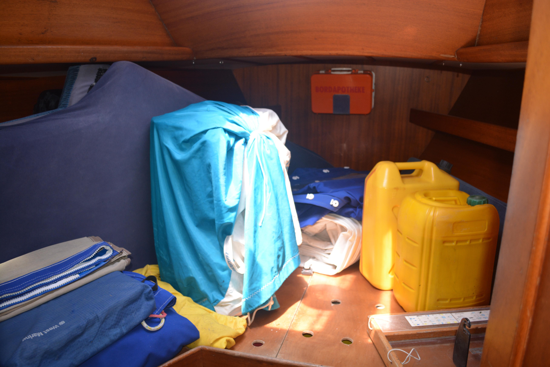 Vee berth used for storage