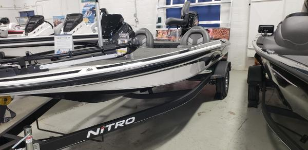 2020 Nitro boat for sale, model of the boat is Z17 & Image # 2 of 5