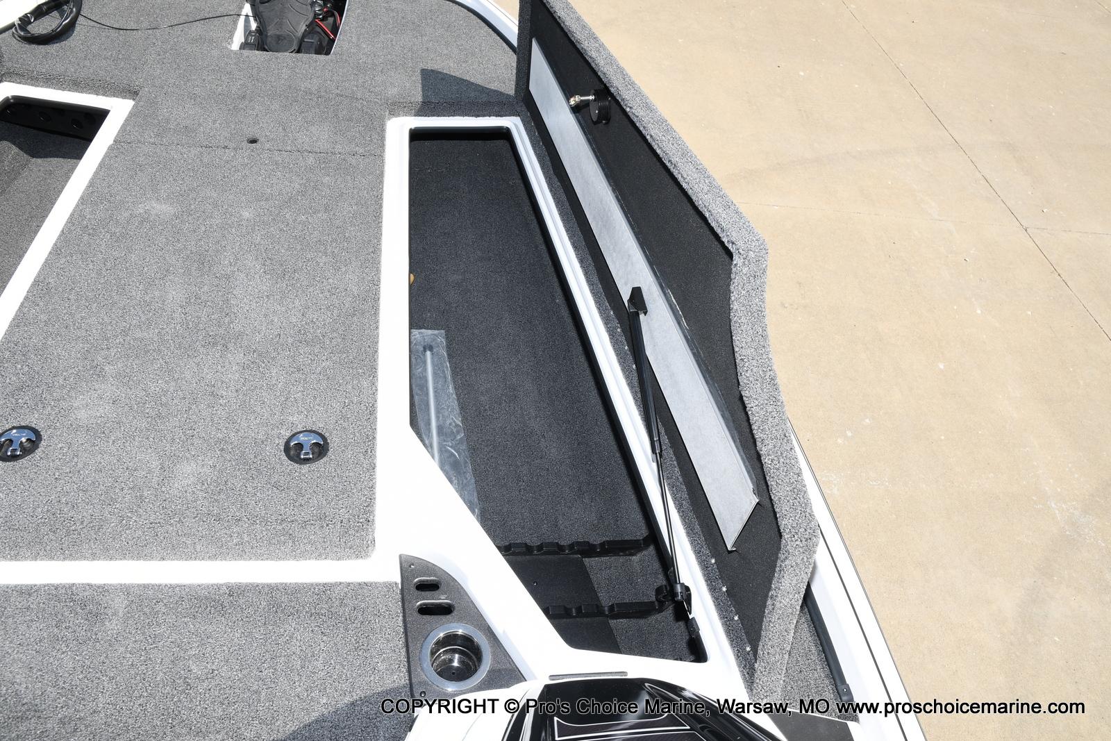 2021 Nitro boat for sale, model of the boat is Z20 & Image # 15 of 50