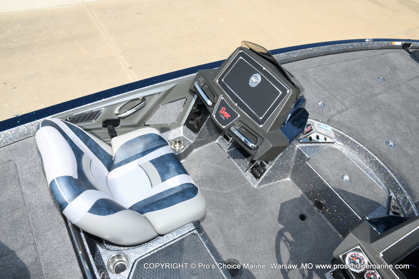 2021 Ranger Boats boat for sale, model of the boat is Z521L Cup Equipped DUAL CONSOLE & Image # 13 of 50