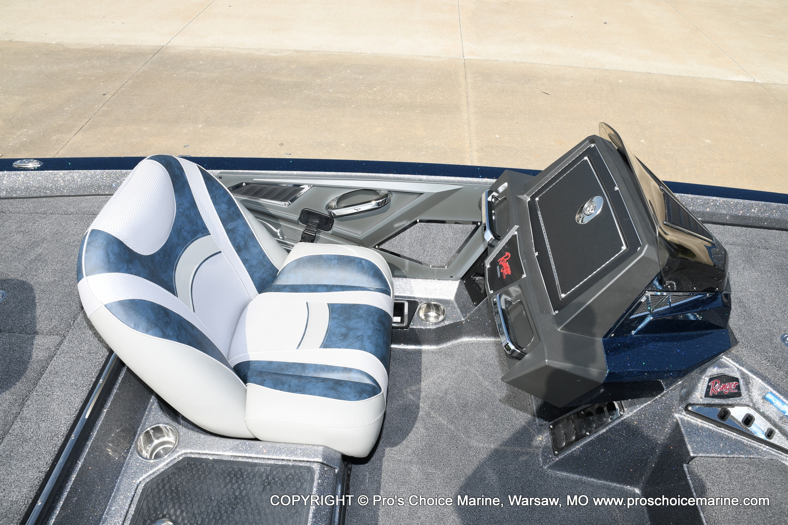 2021 Ranger Boats boat for sale, model of the boat is Z521L Cup Equipped DUAL CONSOLE & Image # 15 of 50