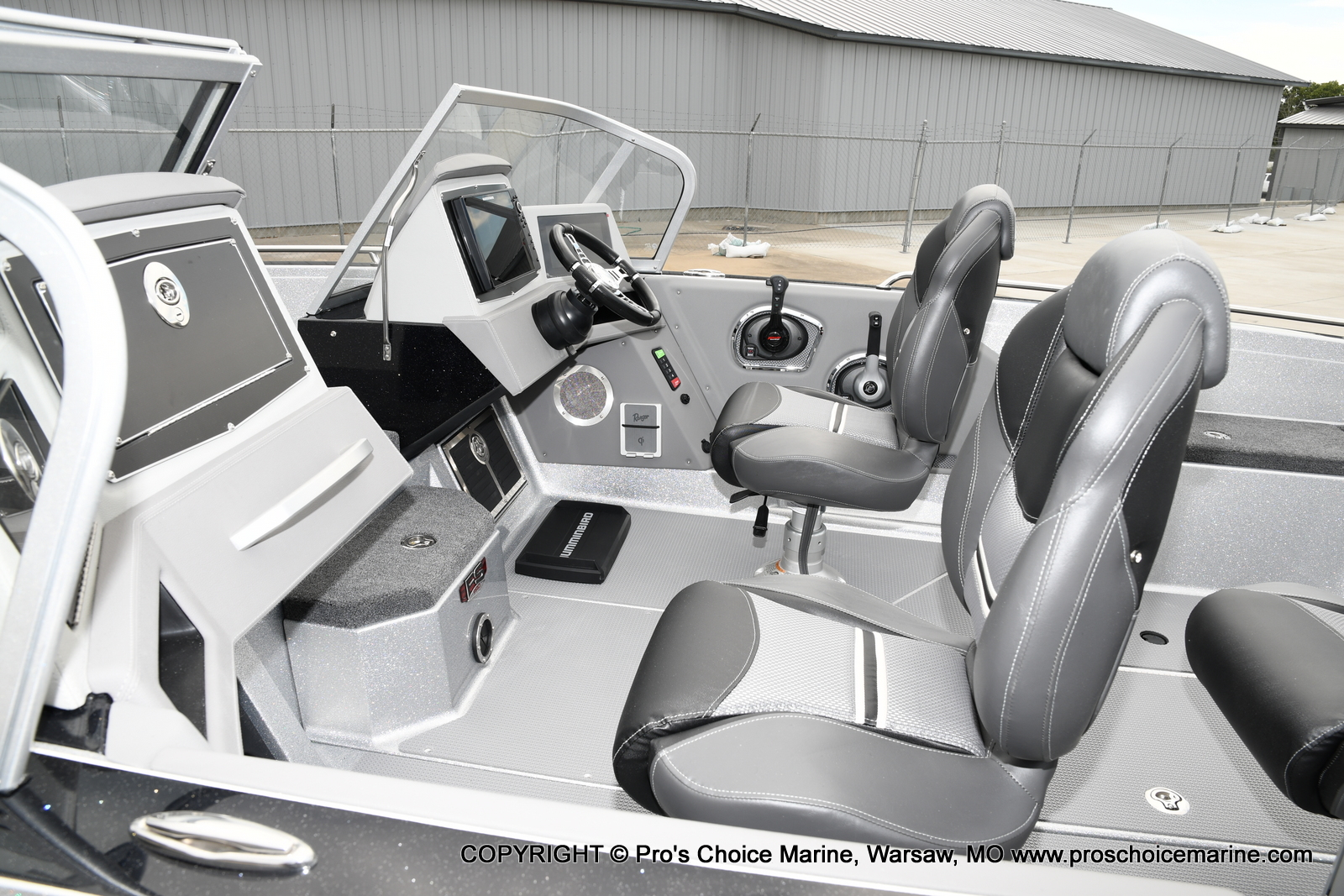 2021 Ranger Boats boat for sale, model of the boat is 620FS Pro w/300HP Verado & Image # 8 of 50
