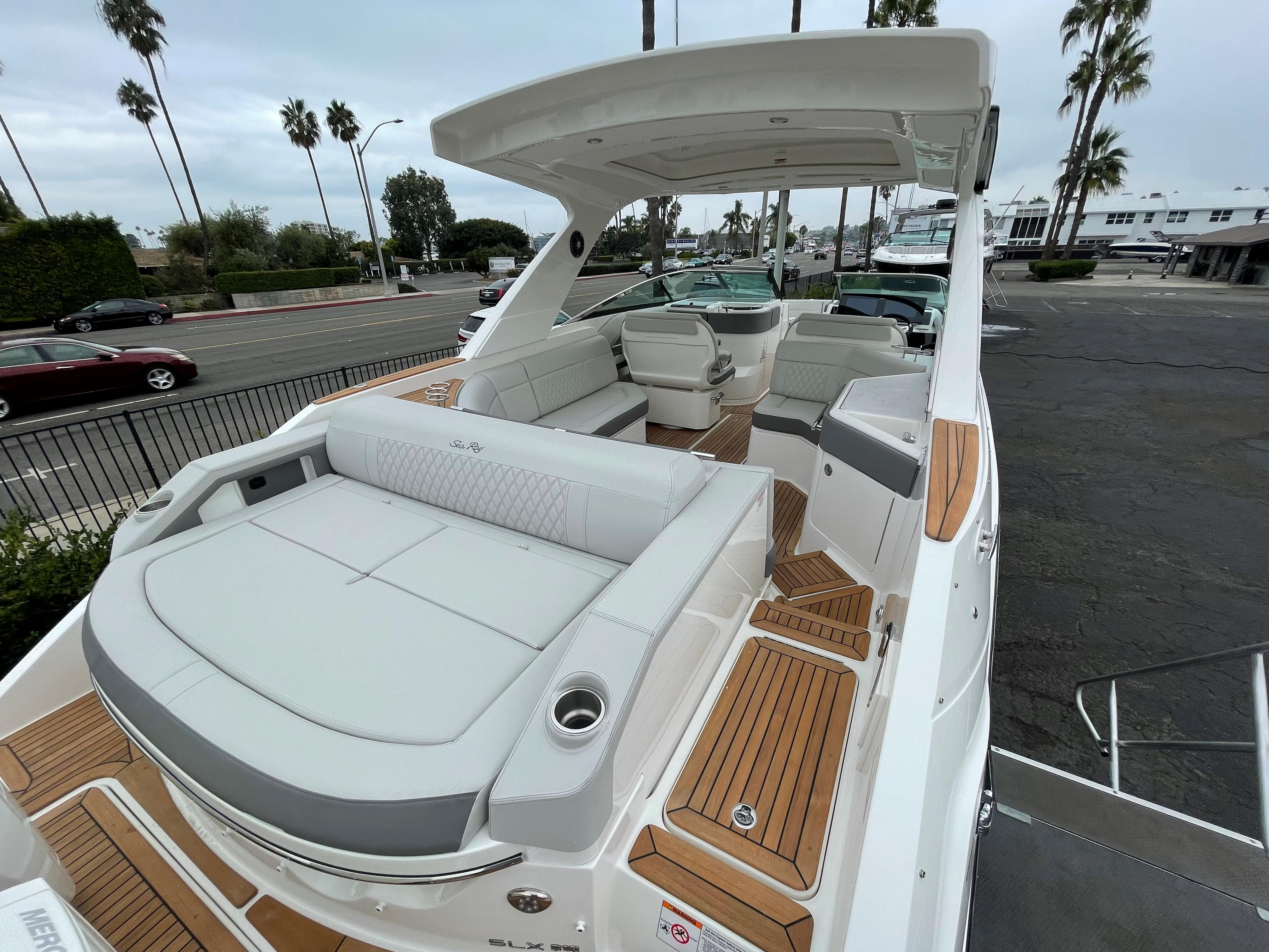 2022 Sea Ray 310 SLX OB #S1338G inventory image at Sun Country Coastal in Newport Beach