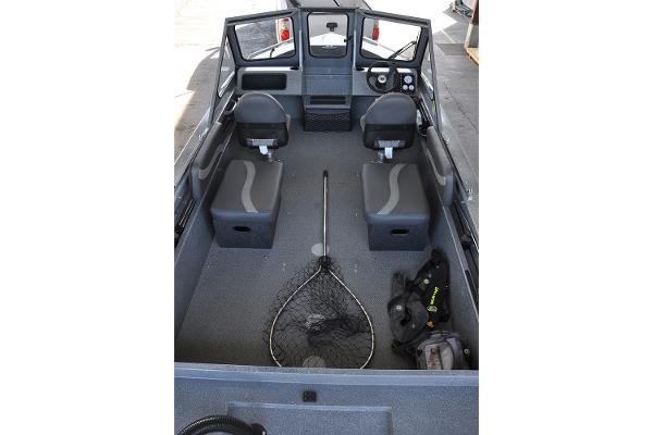 2019 Spartan boat for sale, model of the boat is 18 Areus & Image # 7 of 15